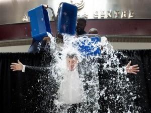 """Prohíben a diplomáticos estadounidenses sumarse al reto del """"cubo de agua"""""""