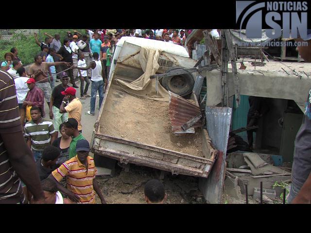 Abuela muere y nieta resulta herida durante accidente en Haina