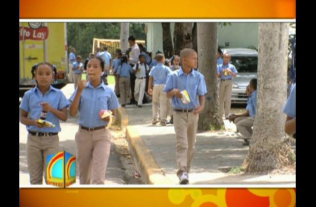 Alumnos acuden de manera masiva a clases en primera semana