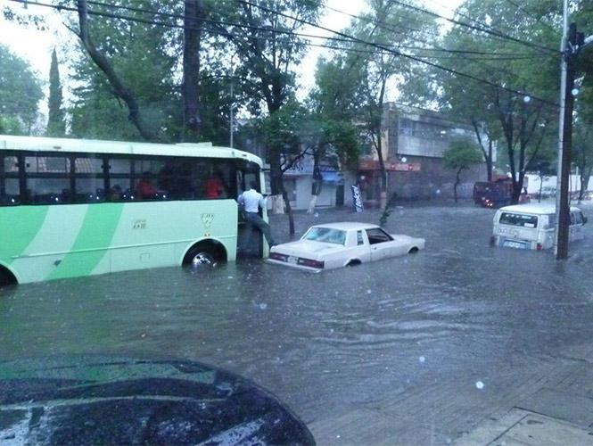 Marie se convierte en huracán categoría I y causará fuertes lluvias en México