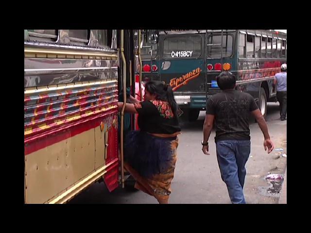 Asaltos y hasta violaciones a mujeres dentro del transporte público