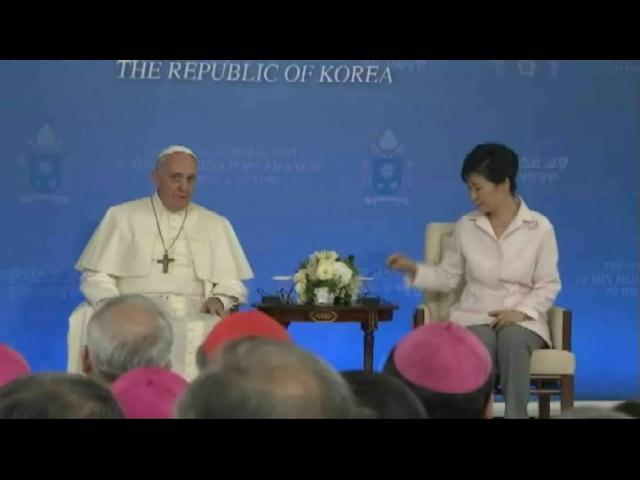 Papa brinda un mensaje de paz en la conflictiva península coreana
