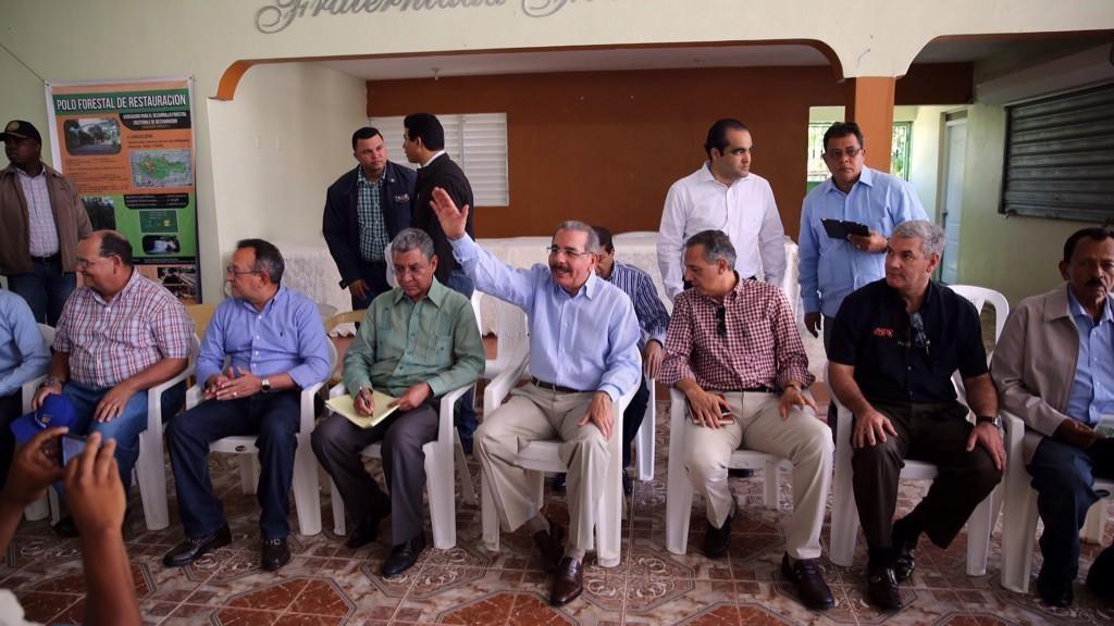 Presidente trata proyectos de producción en Hipólito Billini de Dajabón