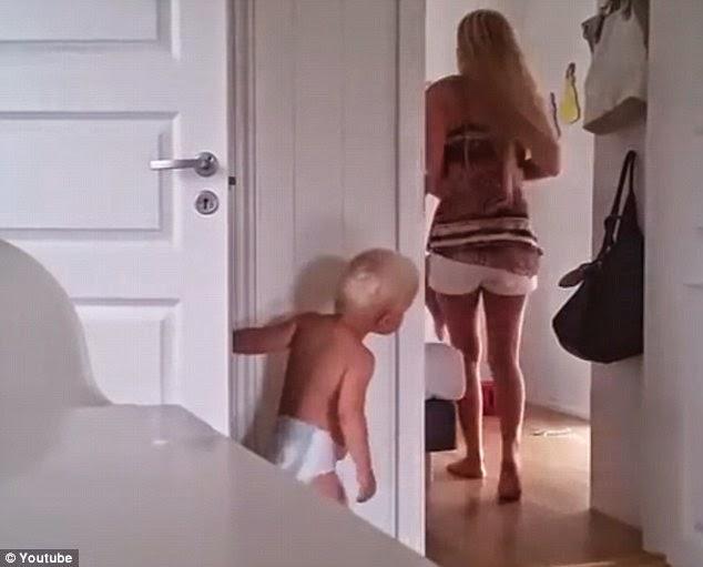 Hazaña de una madre con sus gemelos se hace viral