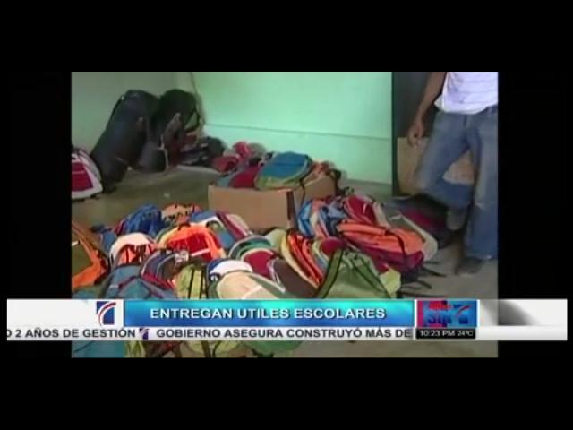 Entregan útiles escolares a más de 600 niños en Los Alcarrizos