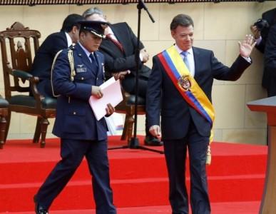 Presidente de Colombia asume su segundo mandato ante 2.000 invitados