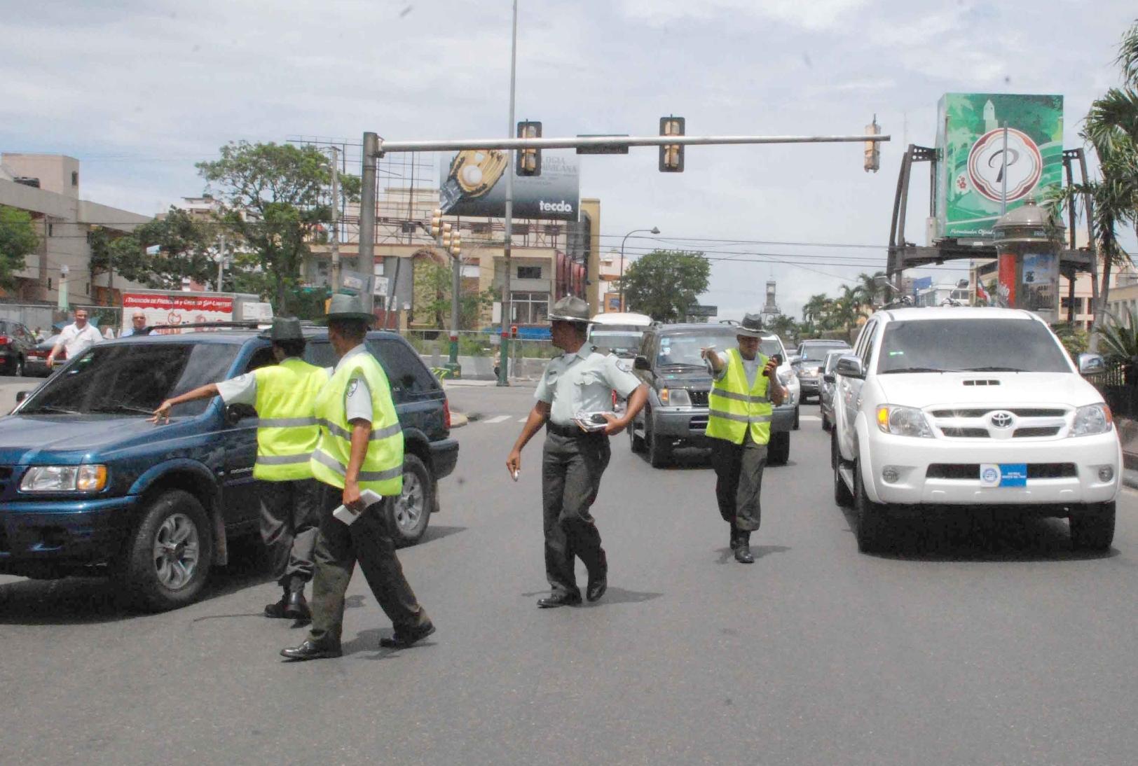 Ciudadanos critican AMET haya perdido control del tránsito
