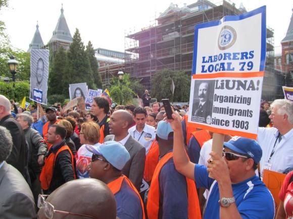 Celebran Día del Trabajo en EEUU desorganizados, empobrecidos y desempleados