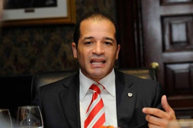 Alcalde SDE propone pago recogida de basura se haga en factura eléctrica