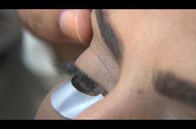 ¡Luce una mirada cautivadora! Extensiones de pestañas o pestañas 3D