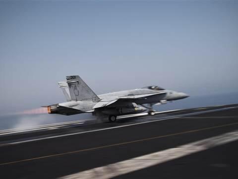 Estados Unidos lanza su primer ataque aéreo contra Estado Islámico