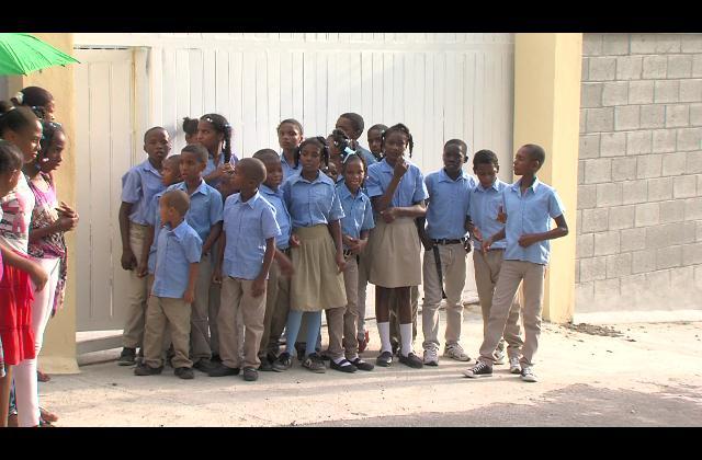 Por deuda más de 600 niños no han podido iniciar año escolar en SC