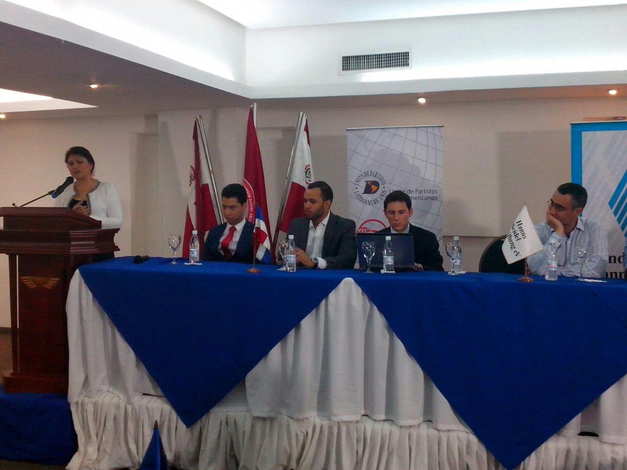Vicepresidenta Parlacen pide más participación de juventud en el SICA