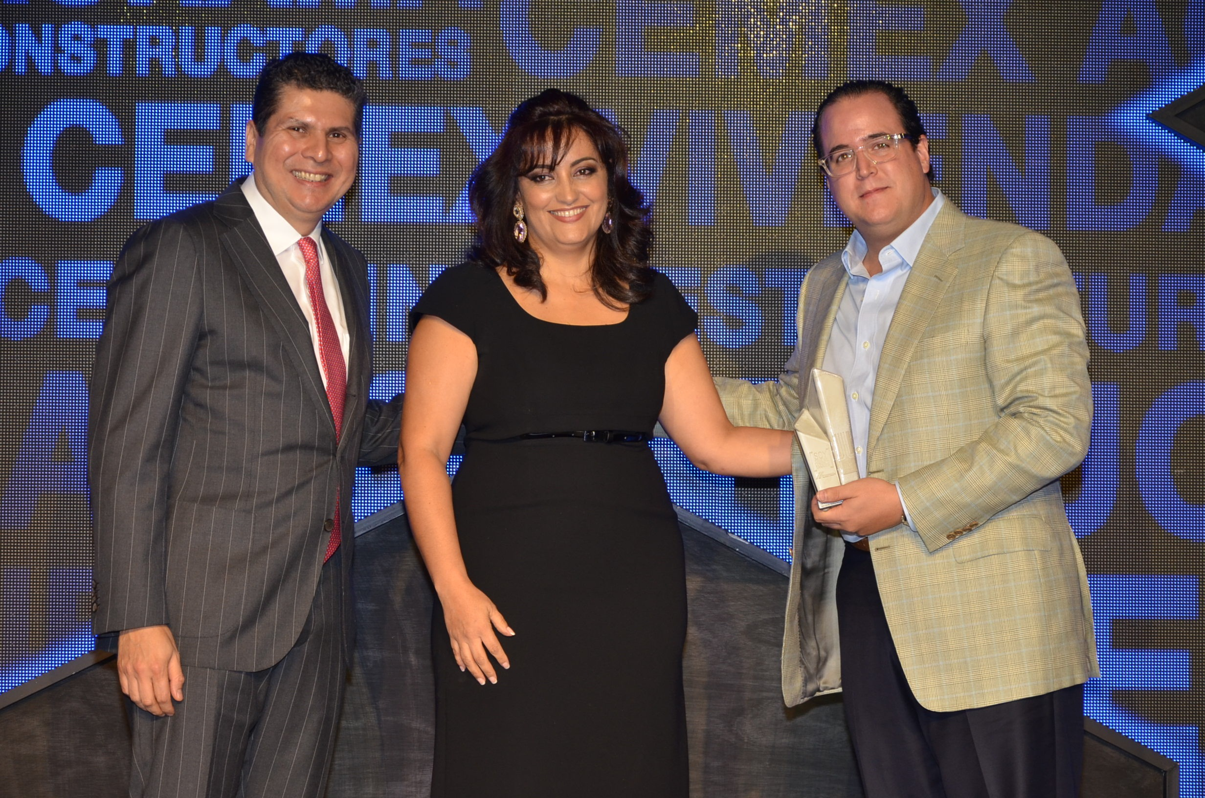 CEMEX premia las 12 mejores obras de construcción del país