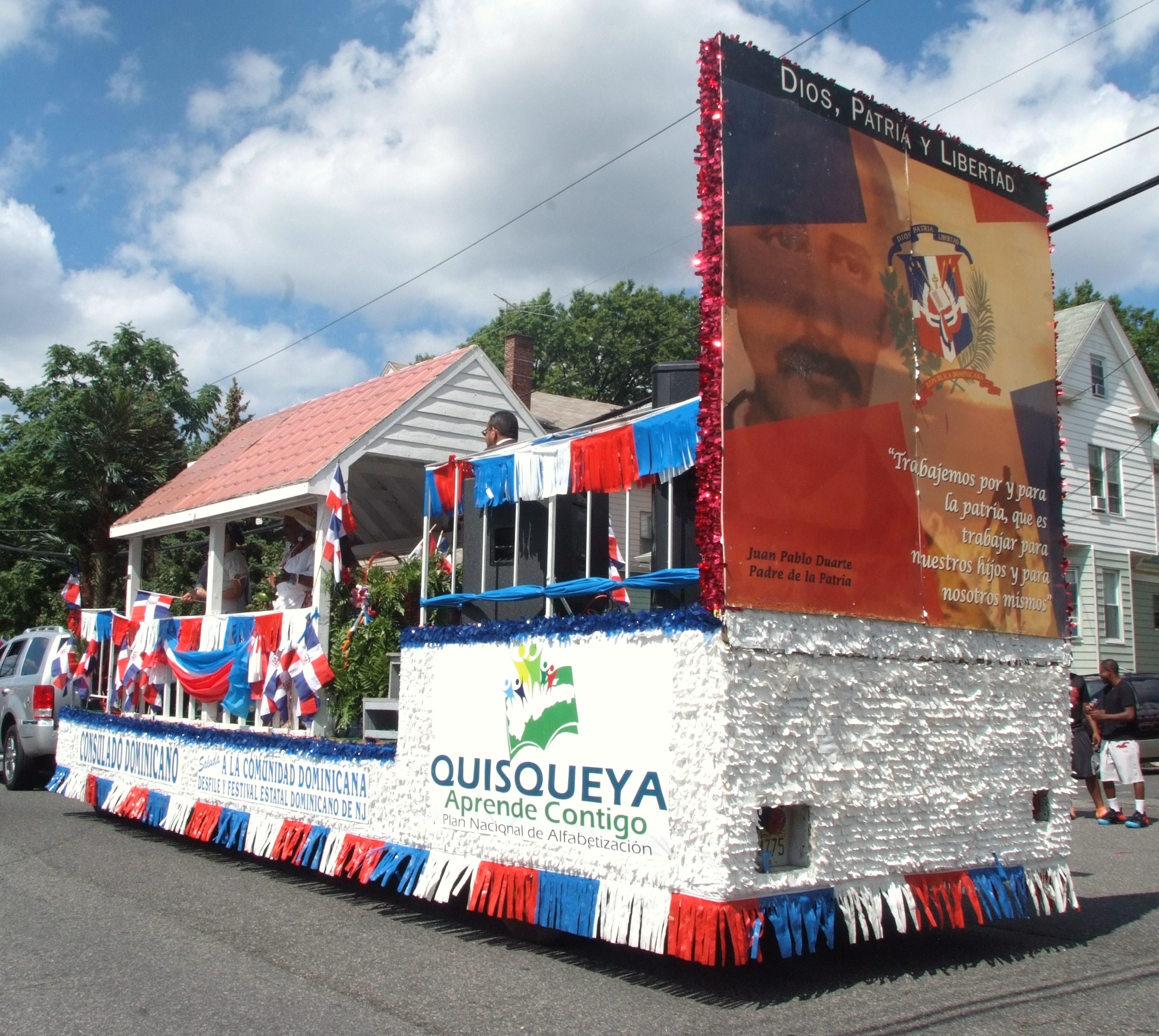 Consulado de RD en NY se hizo sentir en desfiles dominicanos exponiendo la cultura y el folclor