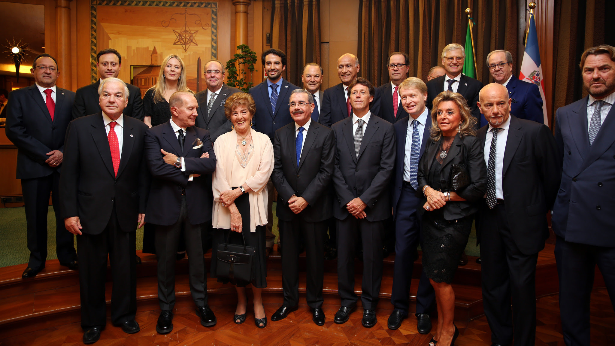 Danilo Medina se reúne con empresarios italianos y dominicanos en Roma