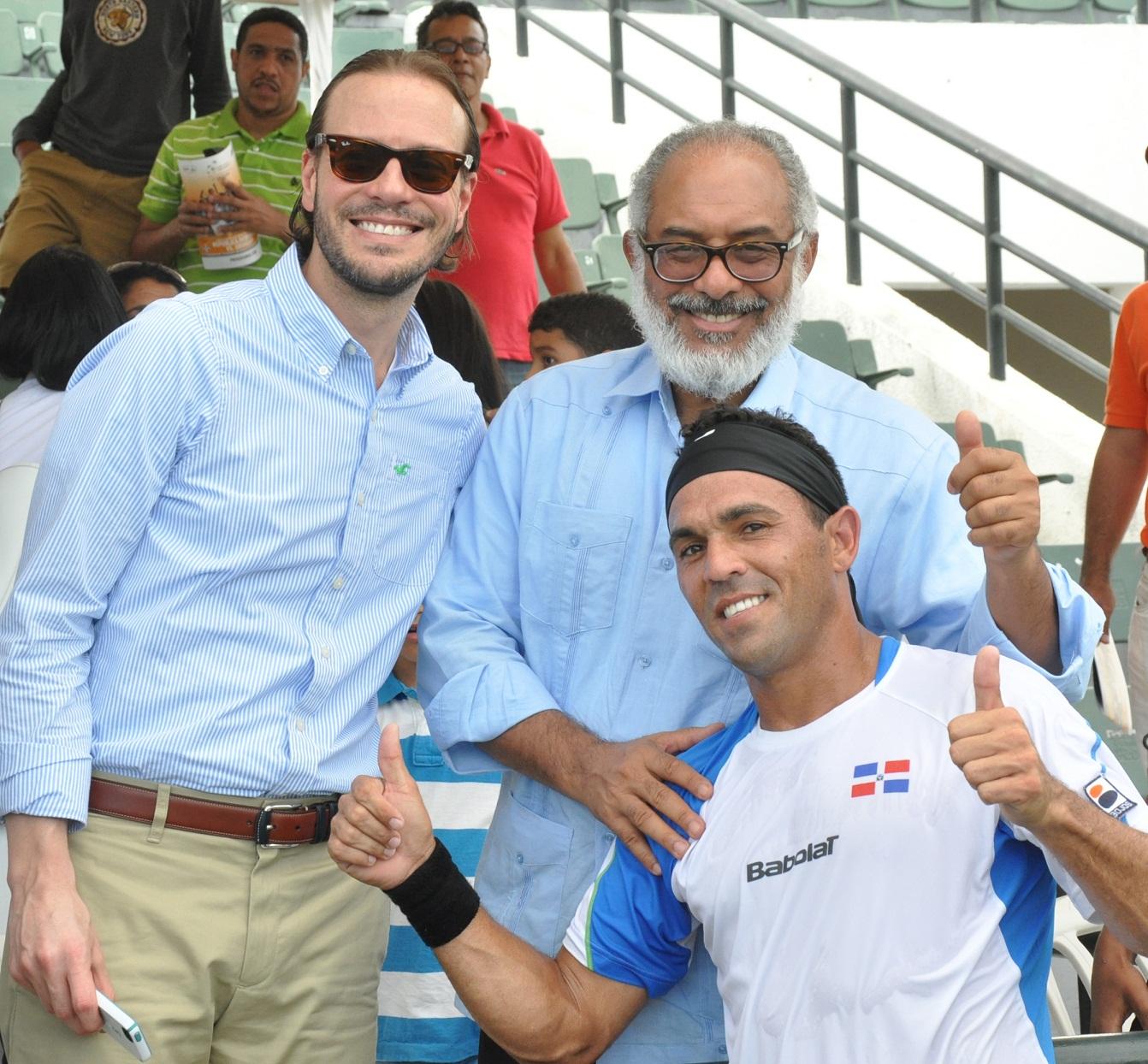 FEDOTENIS felicita a Víctor Estrella por actuación en el US Open