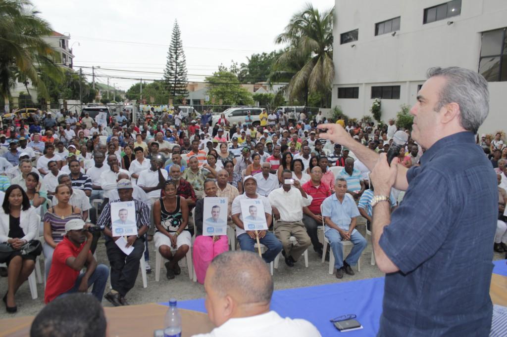 Luis Abinader propone mediación de Núñez Collado para consensuar Ley de Partidos