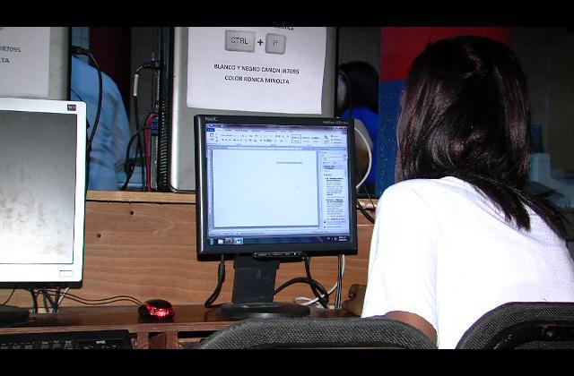 Autoridades en desacuerdo con alto costo del servicio de Internet