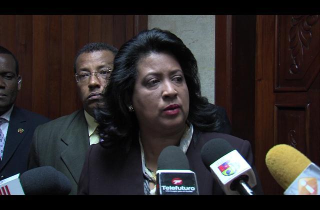 Legisladores listos para revisar observaciones de Medina a Ley Loma Miranda