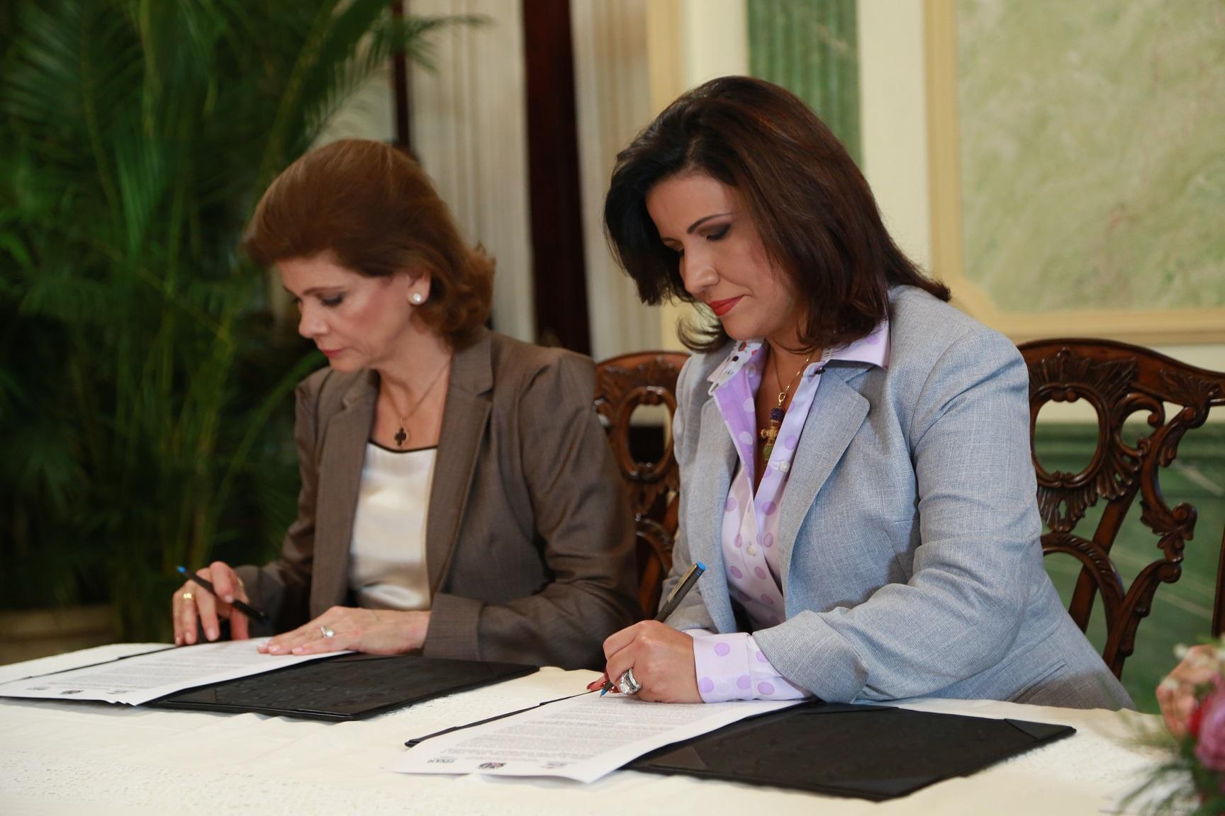Progresando con Solidaridad y Educa firman convenio para capacitar jóvenes