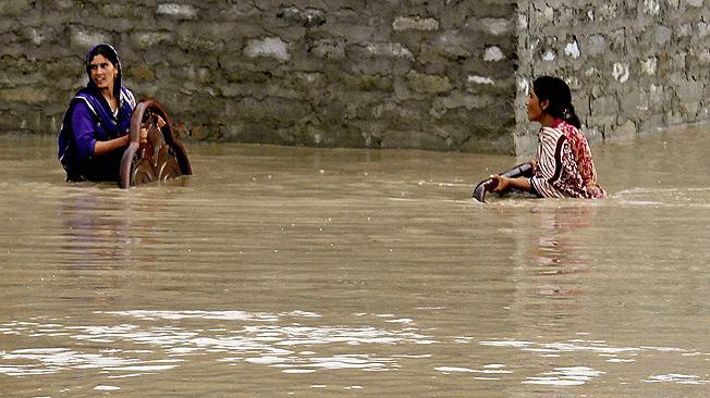 Al menos 28 muertos y 20 heridos por fuertes lluvias en el este de Pakistán