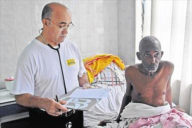 Misionero español está en situación grave y padece deshidratación por ébola