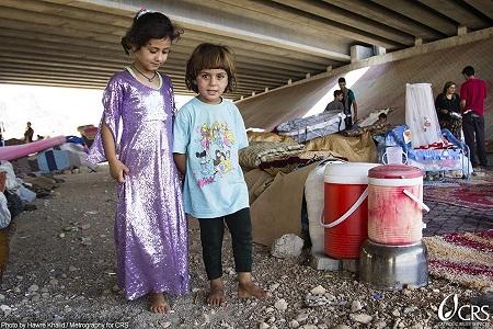 El papa dice en Twitter que reza siempre por Irak y cuelga foto de refugiados