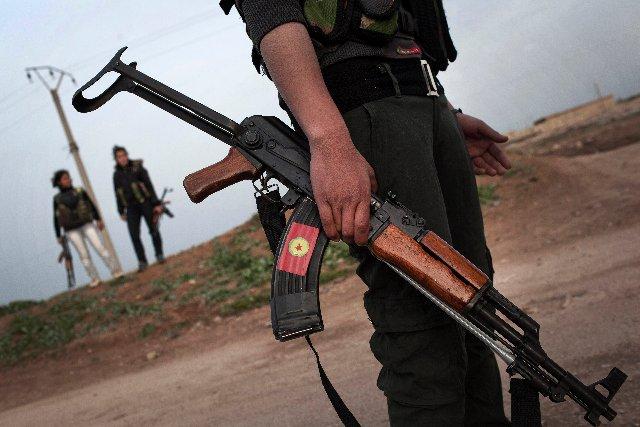 Policías sirios secuestrados piden a sus esposas esfuerzos para ser liberados