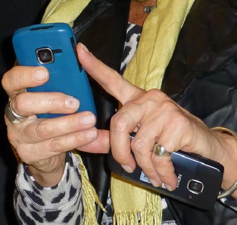 Usar móvil y computador a la vez podría afectar nuestra conducta