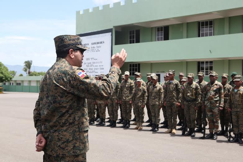 Ministro de Defensa advierte cancelarán militares incurran en hechos bochornosos