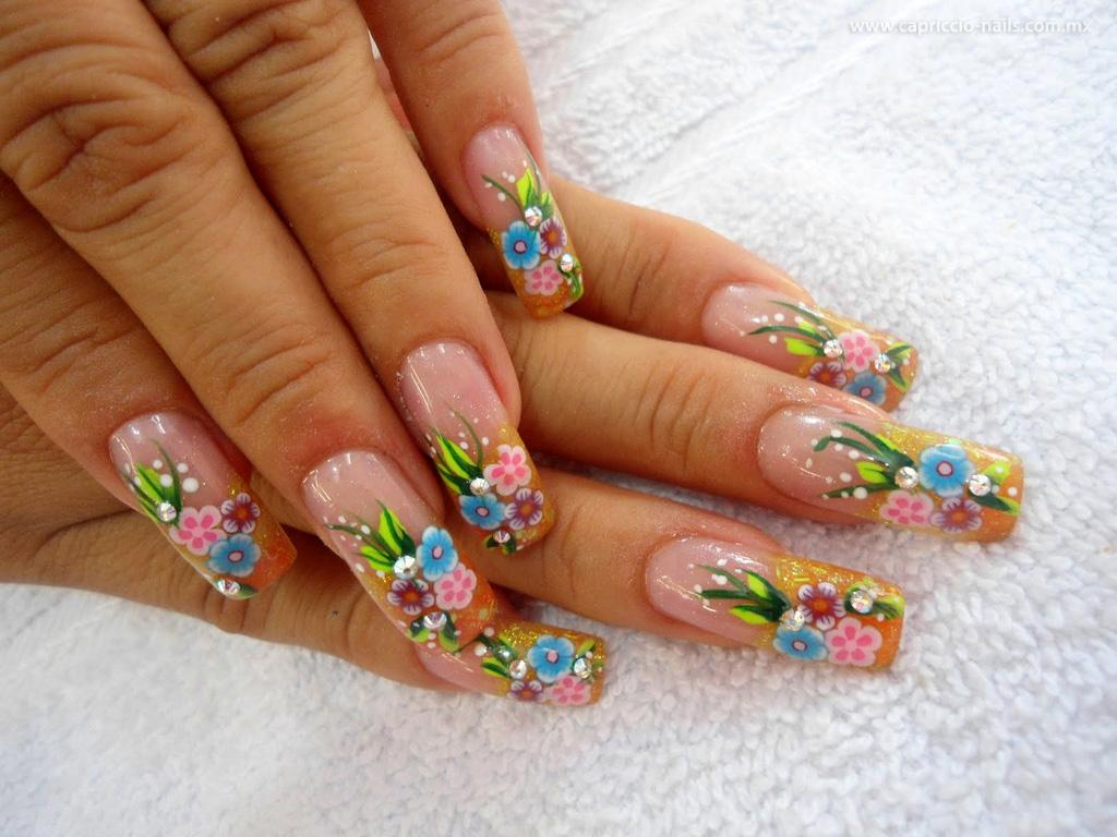 Conozca el peligro de las uñas acrílicas