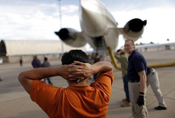 RD entrega a EE.UU. 14 dominicanos acusados de narcotráfico