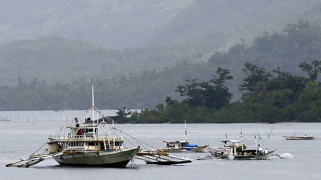Tres muertos y tres desaparecidos en un naufragio en Filipinas