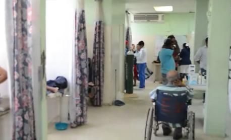Decenas de estudiantes intoxicados en escuela de SFM