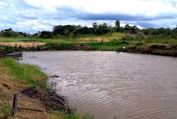 Tormenta vuelca embarcación en río Paraguay y deja al menos dos muertos