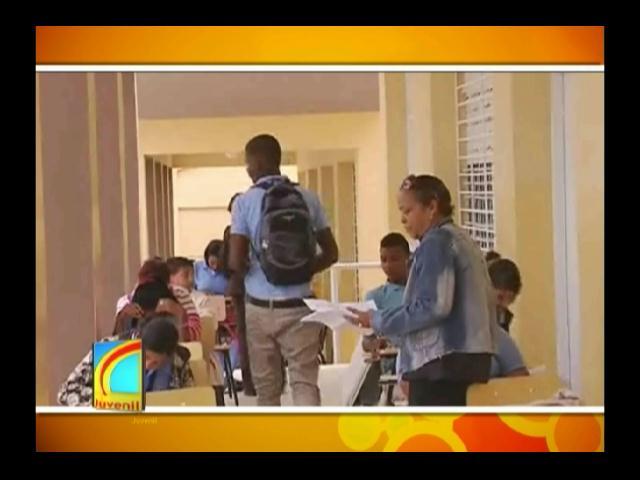 Aun no entregan liceo en Las Charcas de María Nova en San Juan