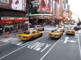 Dominicanos crean aplicación de servicio de taxis solo para mujeres en NY