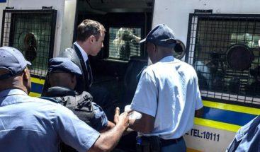 Oscar Pistorius podría quedar en libertad en 10 meses, según expertos legales