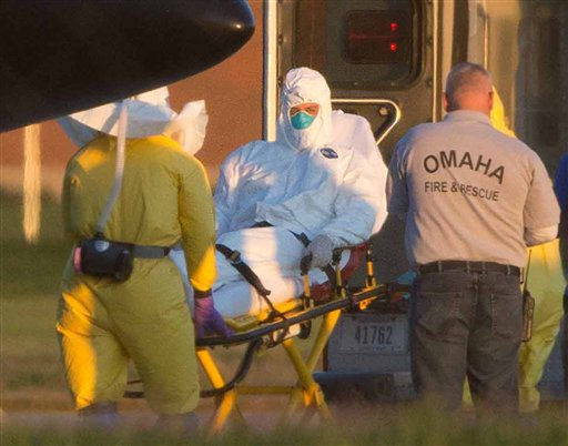 Francia recibe a una persona enferma de ébola para ser tratada