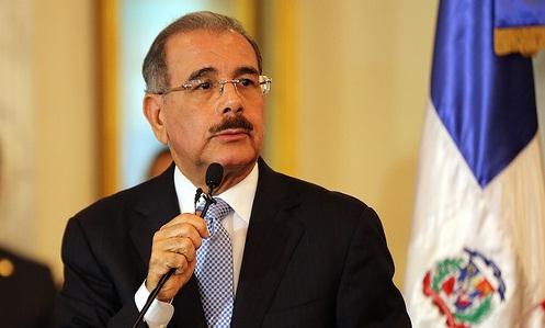 Danilo Medina se solidariza con familias víctimas de feminicidios