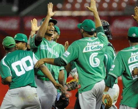 Estrellas ganan octavo al hilo y comandan béisbol dominicano