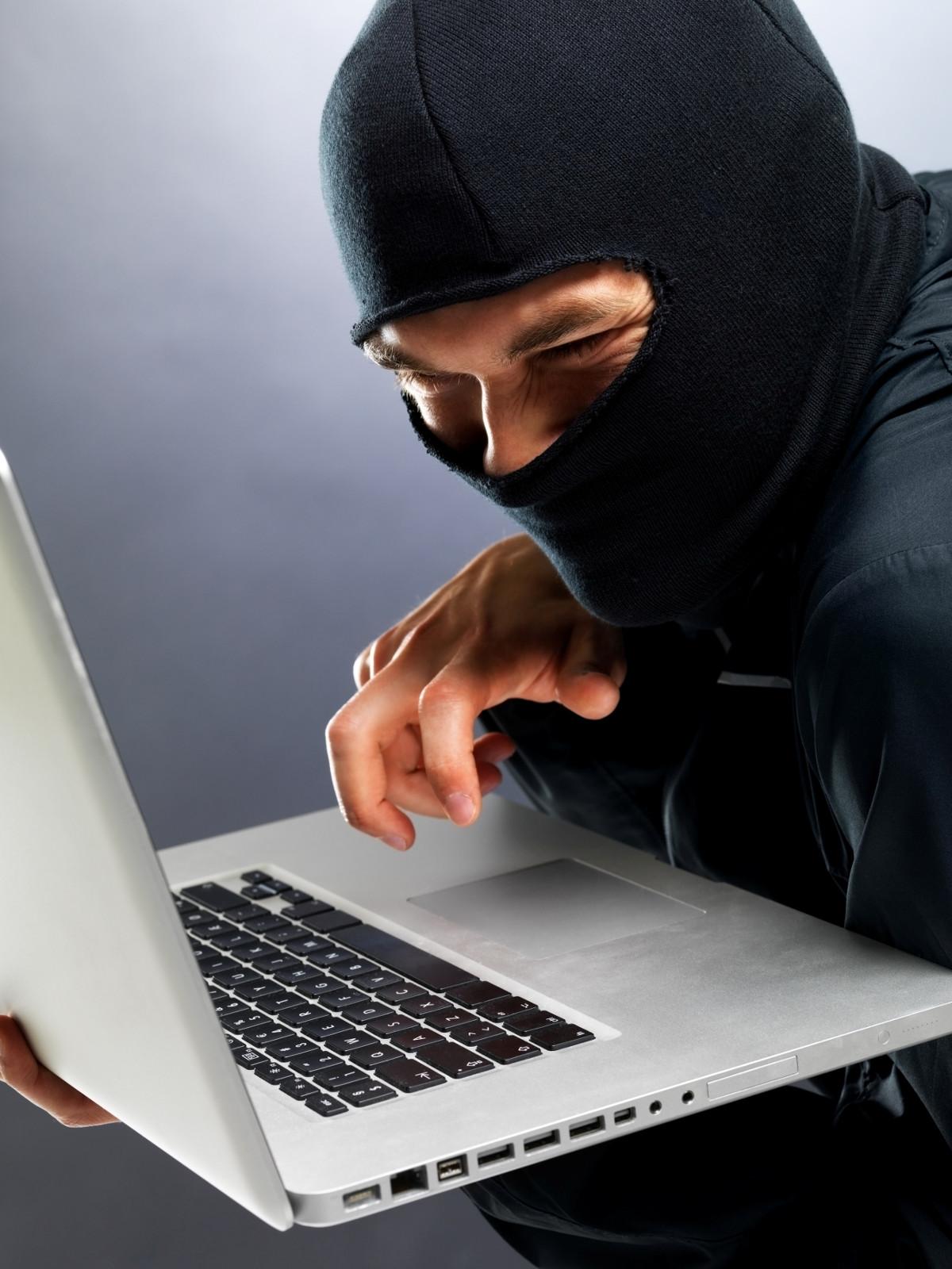 'Hackers' filtran los teléfonos de Brad Pitt y Julia Roberts