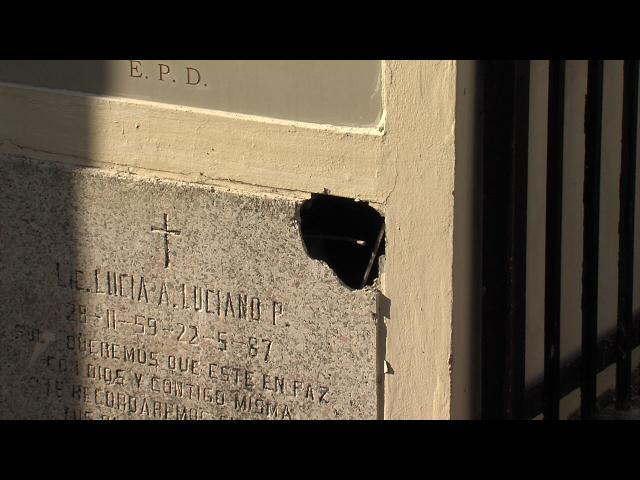 Denuncian extraña profanación de tumba en Cementerio Nacional