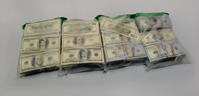 DNCD decomisa dólares en el Aeropuerto Las Américas