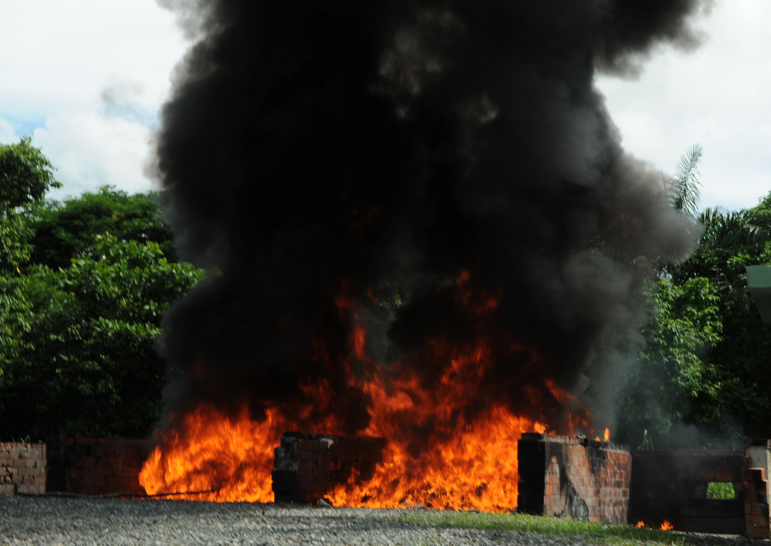 Procuraduría incinera cerca de una tonelada de drogas