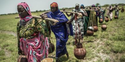 Anual mueren más de un millón de niños menores de 5 años por beber agua sucia, según Oxfam