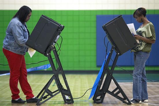Mayoría de votantes en elecciones de EEUU, insatisfechos con Congreso y Obama