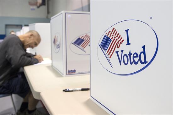 Cierran los primeros centros de votación en Estados Unidos