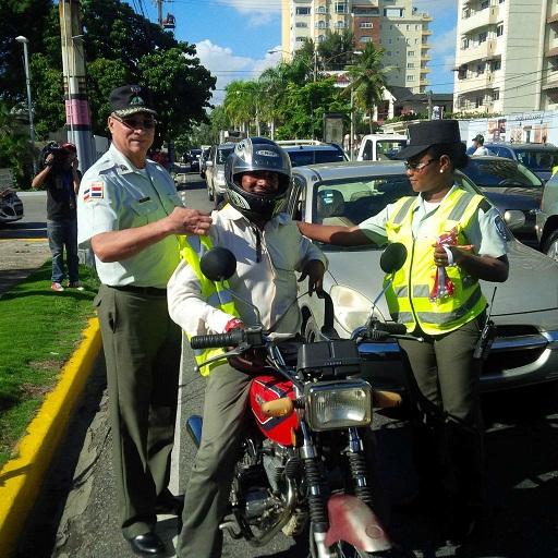 AMET se lanza a las calles para concienciar en la Semana de Seguridad Vial
